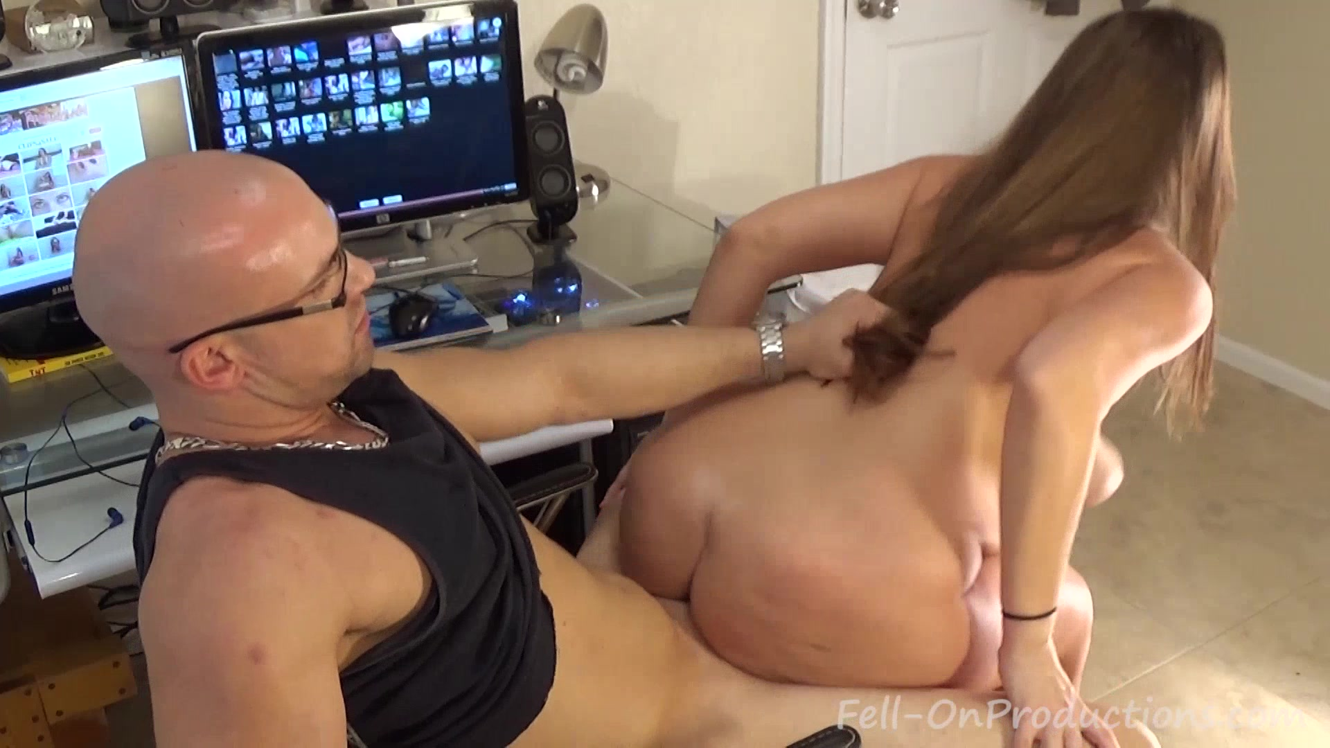 Застукала брата порно видео