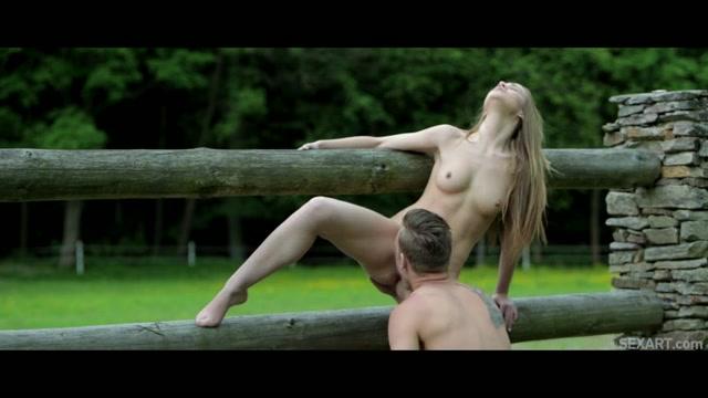 Страстный секс на конюшне