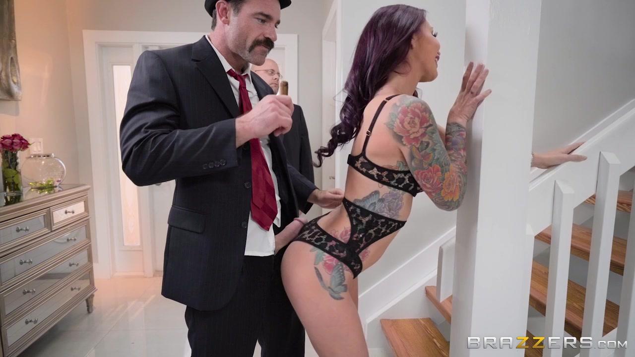 Видео Порно Муж Отдал Жену За Долги