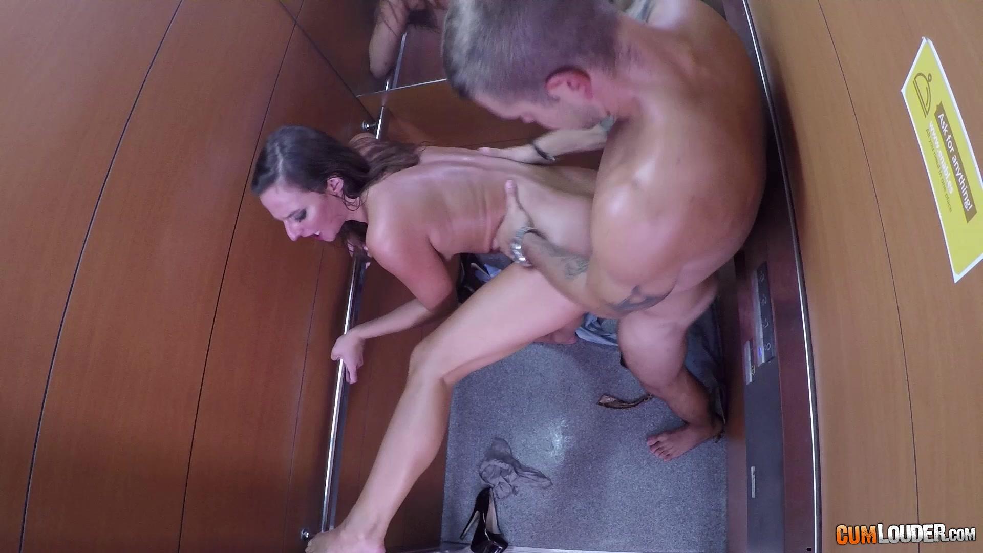 Фотки с сексом в лифте